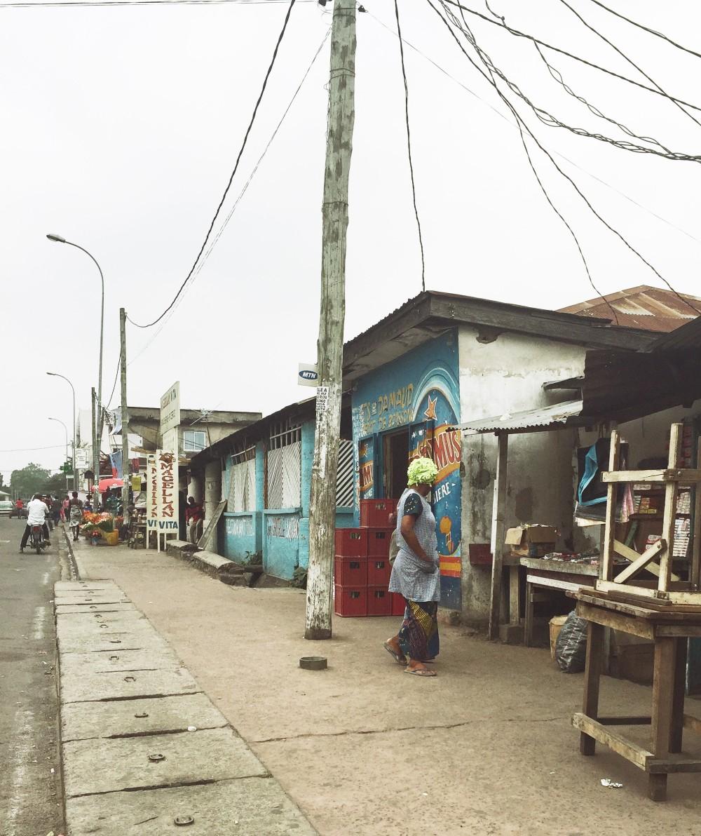 market entrance 2